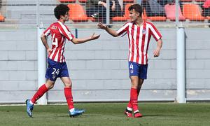 Temp 19/20   Atlético de Madrid B - Racing Ferrol   Camello y Álvaro celebración