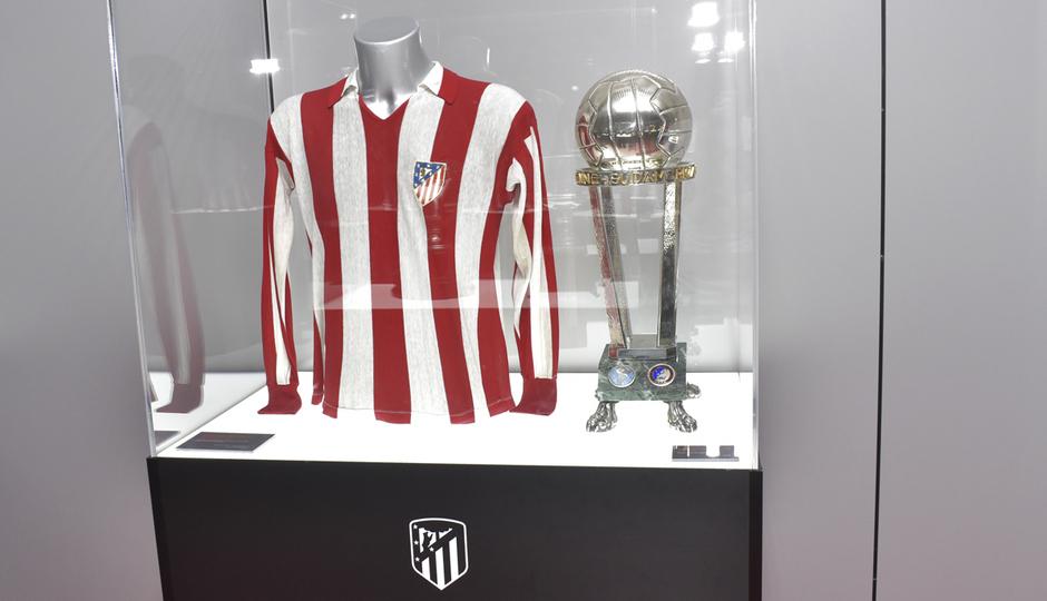 Final Intercontinental 1975 | Atlético de Madrid - Independiente de Avellaneda | Campeones | Exposición títulos de leyenda