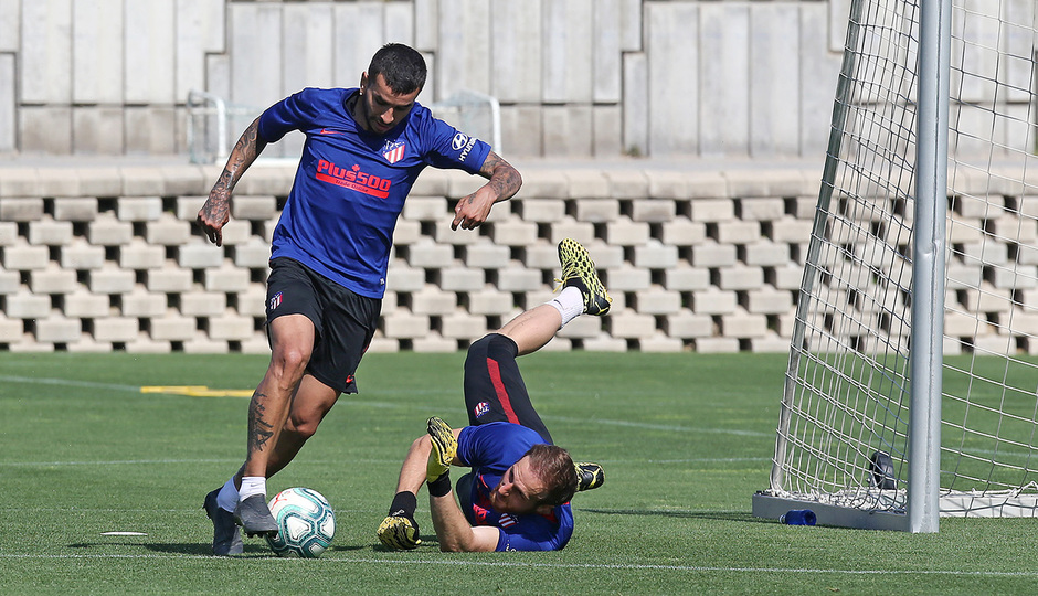Temporada 19/20   Entrenamiento primer equipo   Correa y Oblak