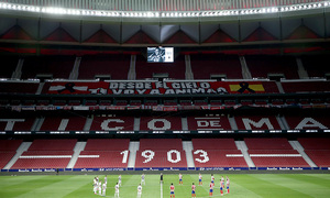 Temp 19/20   Atlético de Madrid - Valladolid   Minuto de silencio