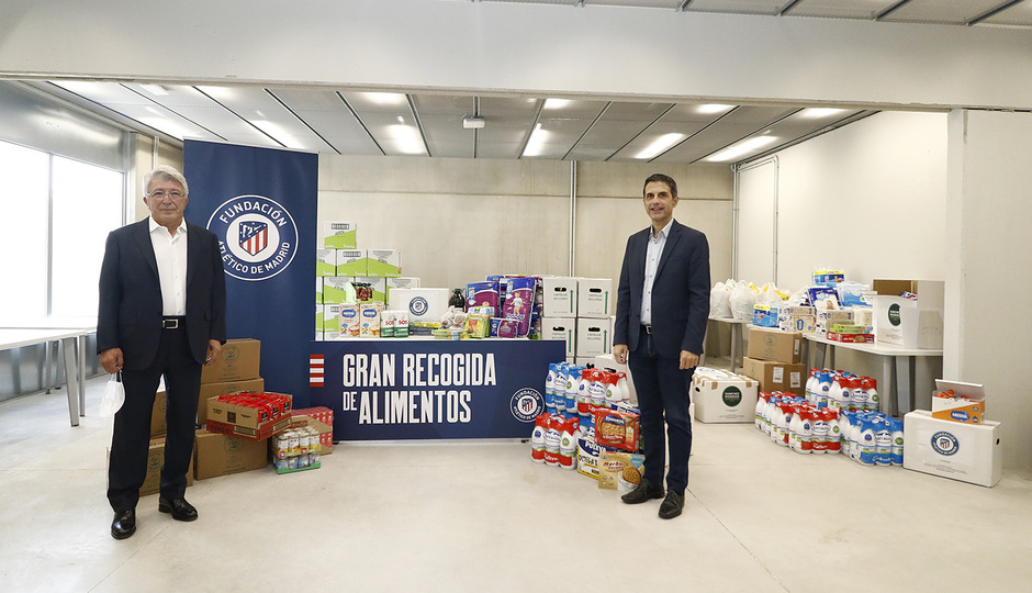 Temp. 19-20 | Entrega de alimentos al Ayuntamiento de Alcalá de Henares | Fundación | Enrique Cerezo