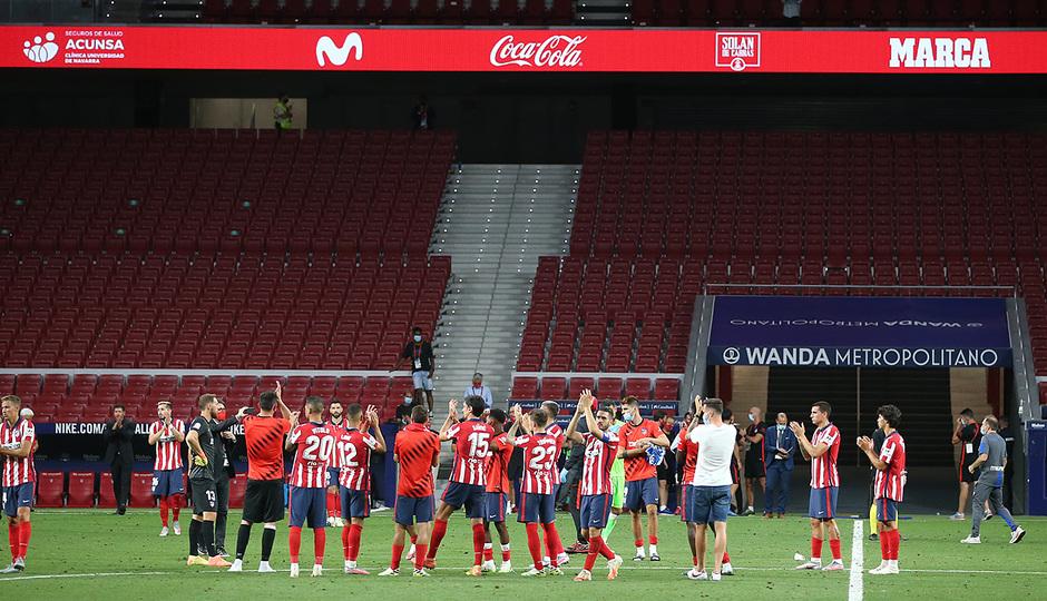 Temp. 19/20. Atlético de Madrid-Real Sociedad. Agradecimiento afición.