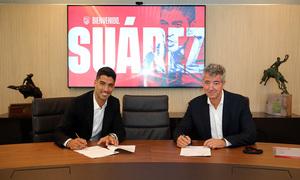 Temporada 2020/21   Bienvenido Luis Suárez   Firma con Miguel Ángel Gil