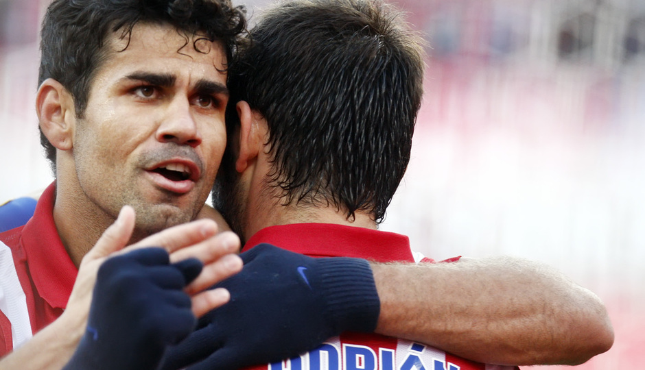 Temporada 20132-2014. Partido Atlético de Madrid- Bilbao, Costa y Adrián celebrando un gol