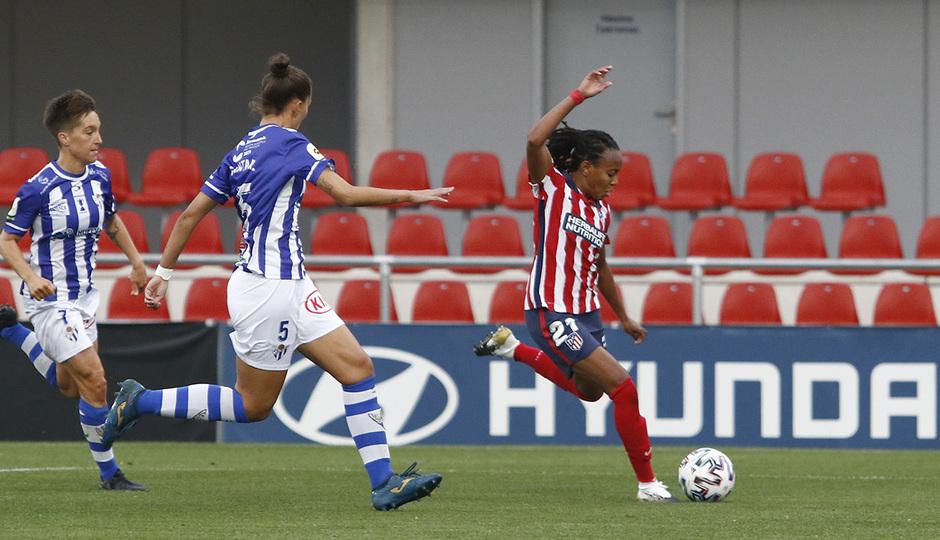 Temporada 2020/21 | Atleti Femenino - Sporting de Huelva | Emelyne