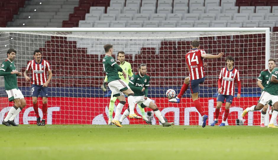 Temp. 20-21 | Atlético de Madrid - Lokomotiv | Llorente