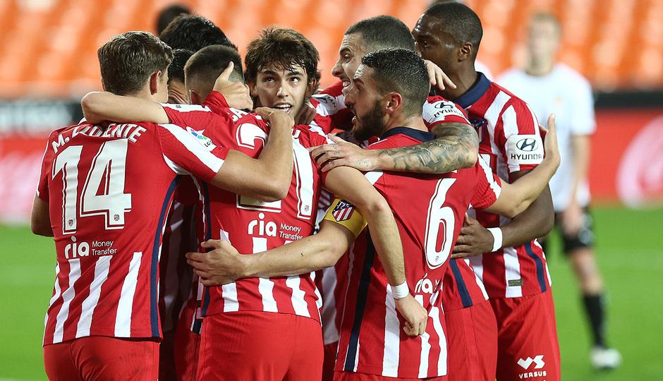 Temp. 20-21   Valencia - Atlético de Madrid   Piña celebración