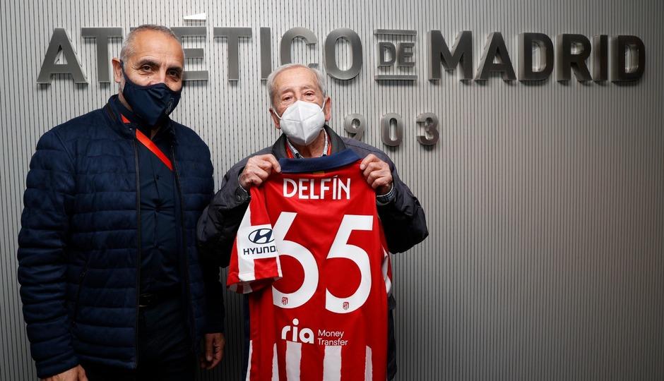 El club impuso la insignia de Oro y Brillantes a Delfín Cantalejo y Manuel Gil