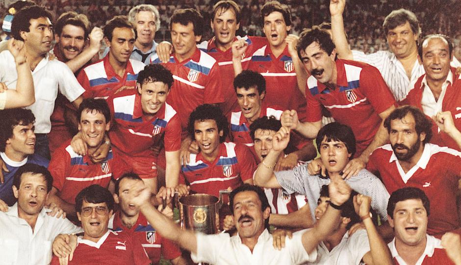 Temporada 13/14. Leyendas Rojiblancas. Kike Ramos celebración Copa del Rey