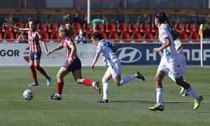 Claudia Iglesias fue titular en el centro del campo ante el Deportivo