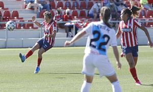 Amanda Sampedro, con este centro, asistió en el gol de Van Dongen