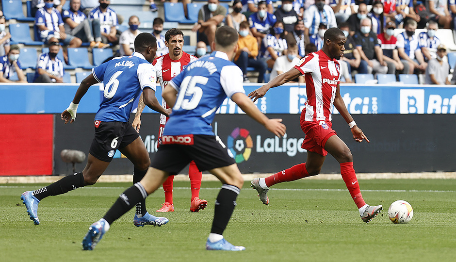 Temporada 2021/22   Alavés - Atlético de Madrid   Kondogbia