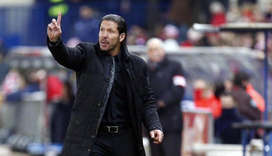 temporada 13/14. Partido Atlético de Madrid- Levante. Simeone dando órdenes