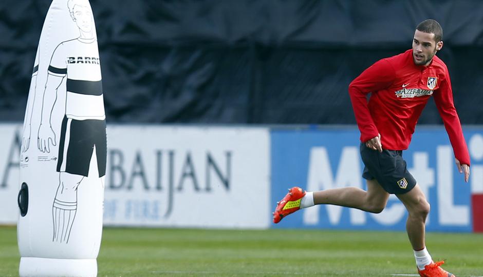 temporada 13/14. Entrenamiento en la Ciudad deportiva de Majadahonda. Mario corriendo