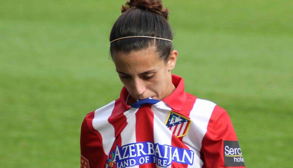 Temporada 2013-2014. Nagore se lamenta tras la derrota ante la Real Sociedad