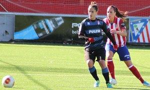Temporada 2013-2014. Noelia Tudela intentando robar el esférico