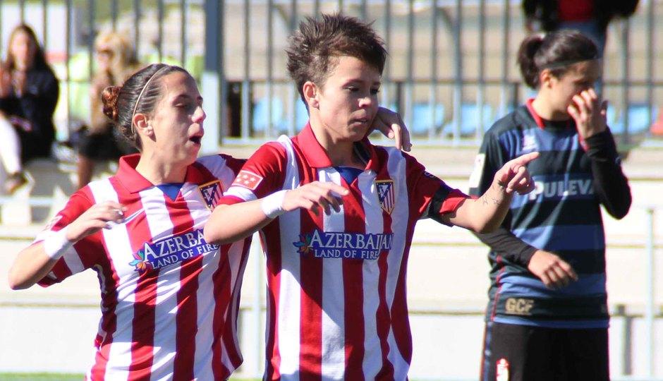 Temporada 2013-2014. Amanda celebra junto a Nagore el primer gol