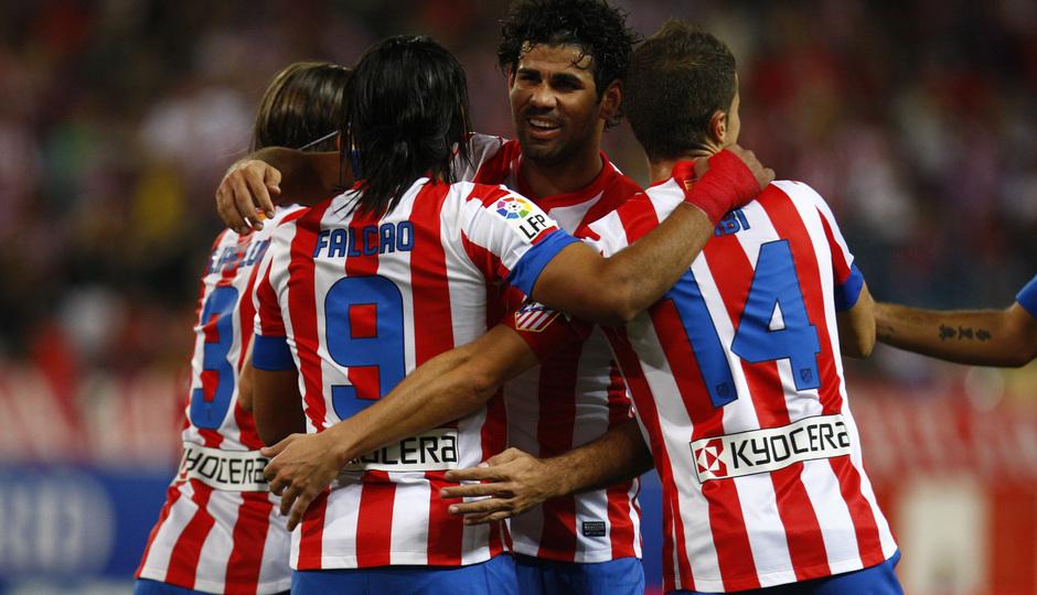 Liga 2012-2013. Radamel Falcao, Diego Costa y resto de compañeros celebran un gol del Atlético de Madrid