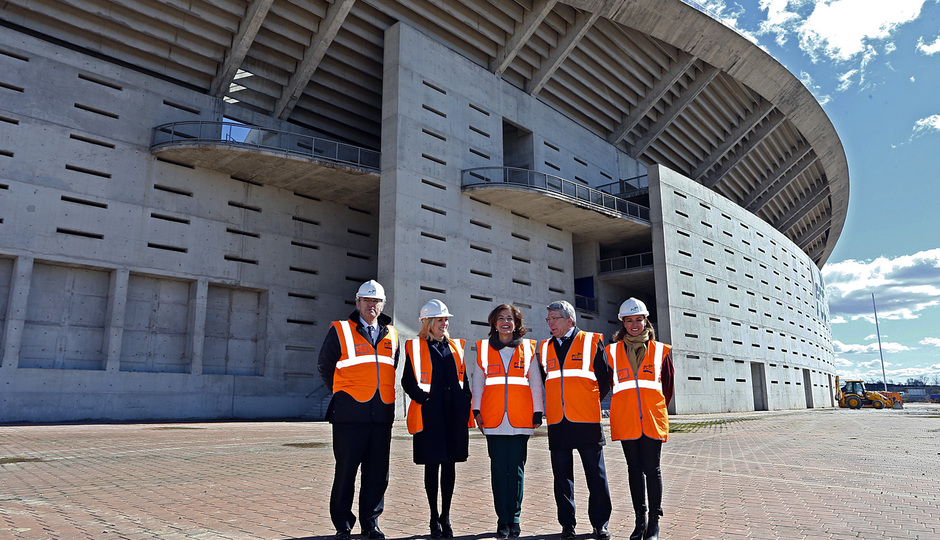 temporada 13/14. Acto. Visita de la directiva y el primer equipo al nuevo estadio