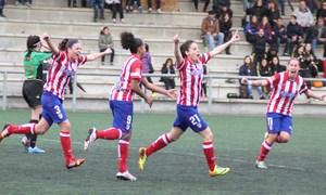 Temporada 2013-2014. Esther González celebra el gol del empate ante el Oviedo