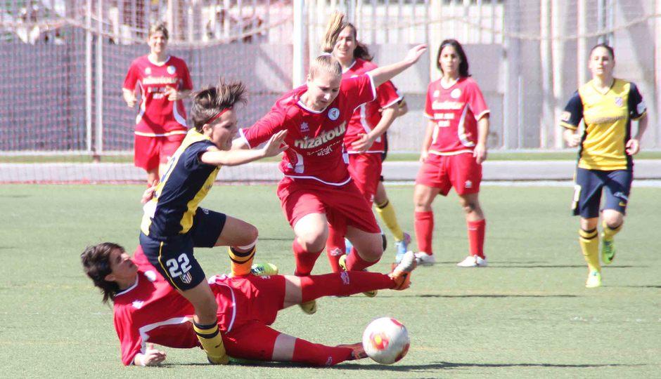 Temporada 2013-2014. Dura entrada sobre Claudia Zornoza