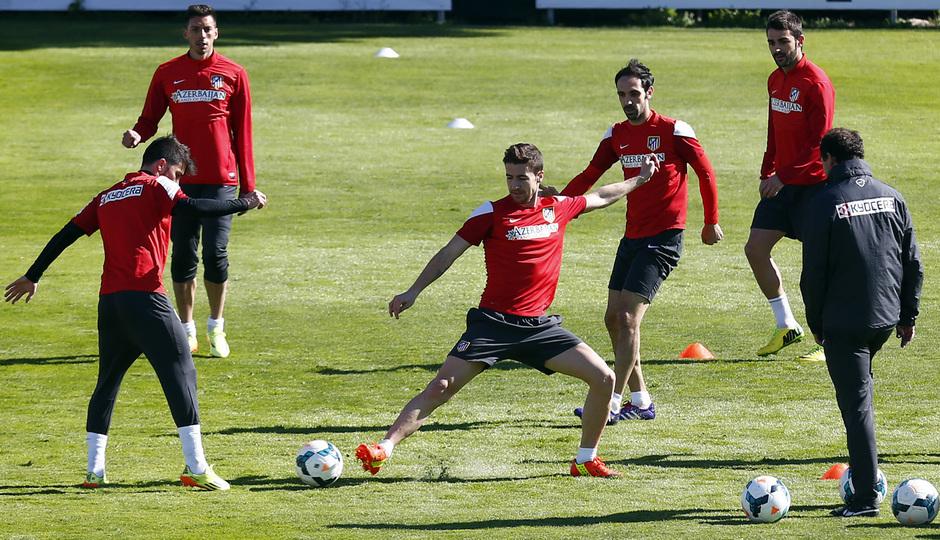 Gabi y Villa, en un momento del entrenamiento matinal del viernes, antes del partido frente al Villarreal