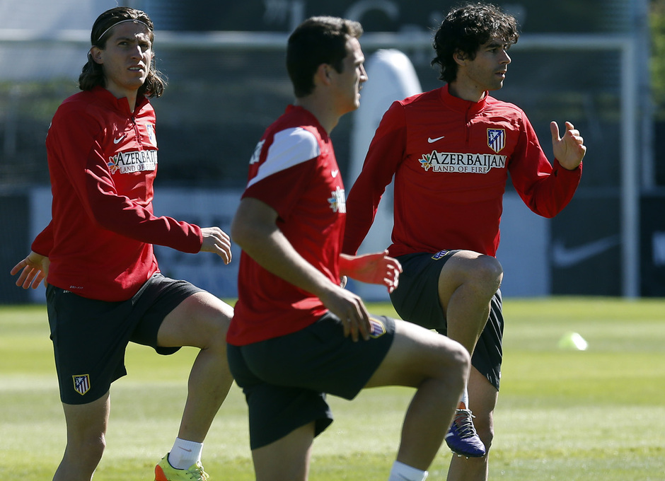 temporada 13/14. Entrenamiento en la Ciudad deportiva de Majadahonda. Filipe y Tiago realizando ejercicios
