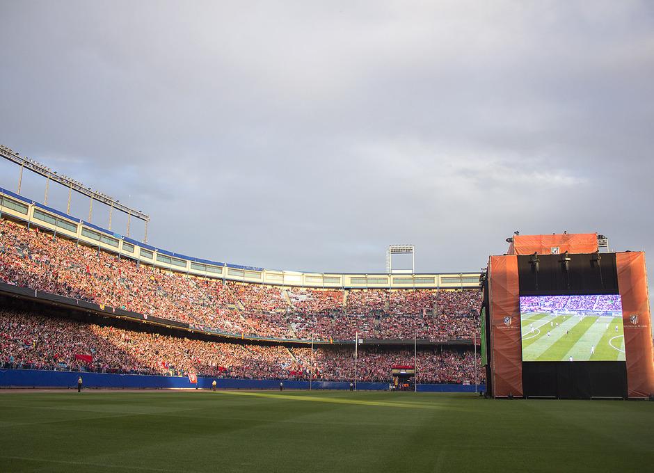 Temporada 13-14. Panorámica del Vicente Calderón durante la Final de Champions. Foto: A. M.