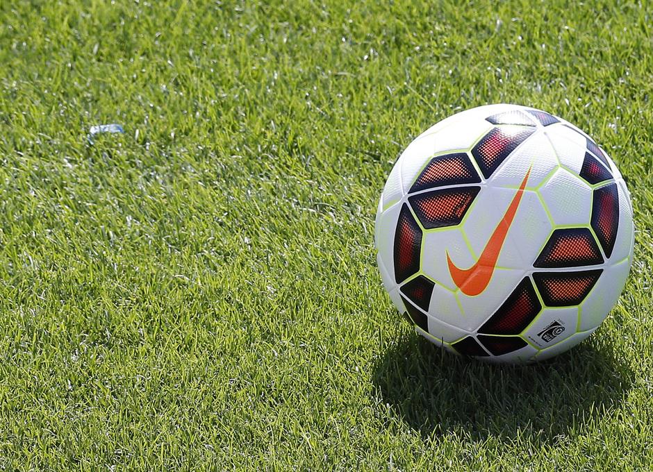 temporada 14/15 . Entrenamiento en la Ciudad deportiva de Majadahonda. Balón nueva temporada