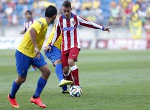 Pretemporada 2014-15. Cádiz - Atlético de Madrid. Trofeo Ramón de Carranza. Griezmann en una internada hacia el área local.