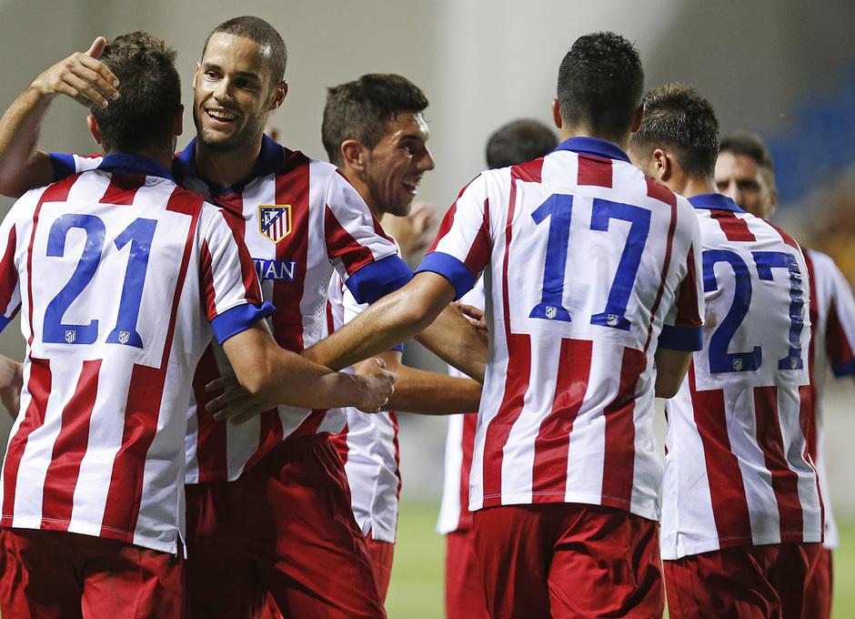 Pretemporada 2014-15. Atlético de Madrid - Sampdoria. Trofeo Ramón de Carranza. El equipo celebra uno de los goles.