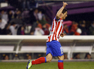 Temporada 2012-13. Cristian Rodríguez celebra el tercer gol de los nuestros en Zorrilla