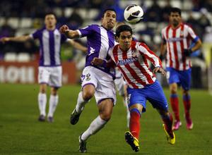 Temporada 2012-13. Falcao fue el autor del primer gol en Zorrilla. El colombiano luchó durante todo el partido con la defensa pucelana.