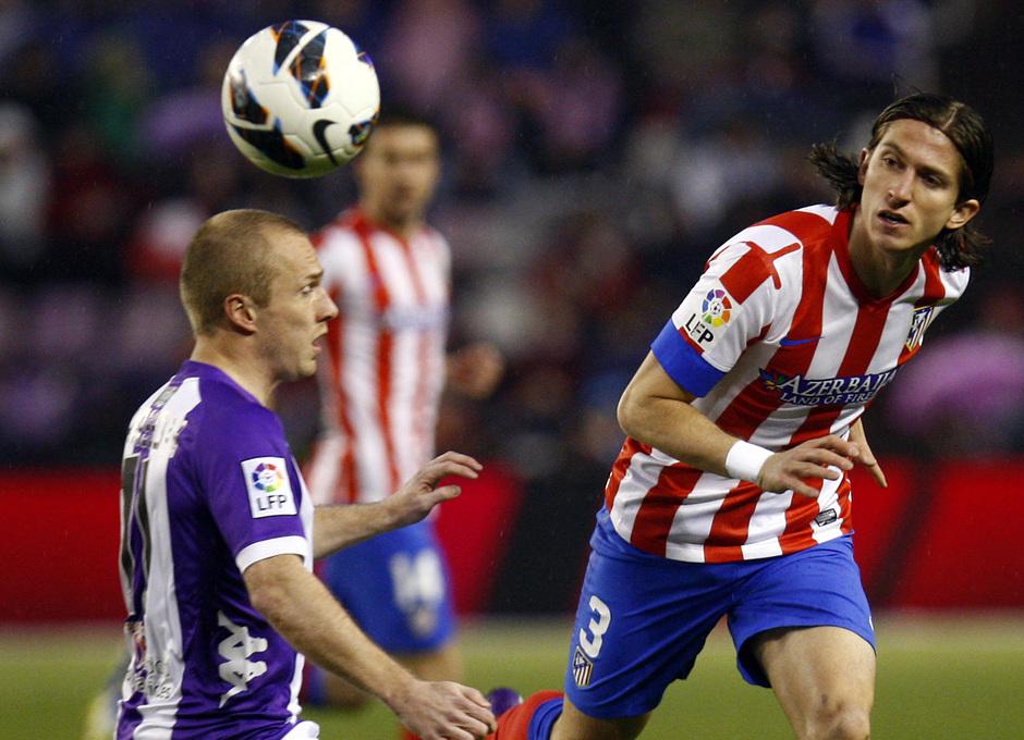 Temporada 2012-13. Filipe Luis, en un lance del partido contra el Real Valladolid en el José Zorrilla.