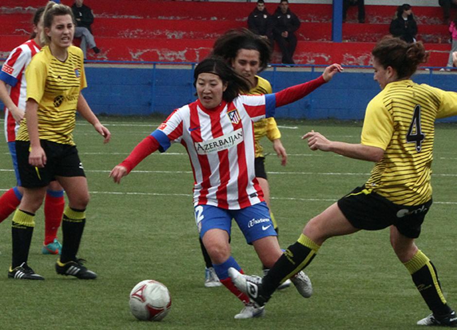 Temporada 2012-2013. Mitsue en una acción del partido ante el SD Lagunak