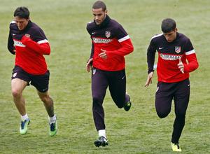 Temporada 12/13. Entrenamiento, Mario, Cebolla e Insúa corriendo durante el entrenamiento en la Ciudad Deportiva de Majadahonda