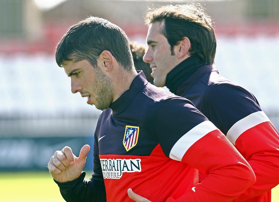 Emiliano Insúa se entrena en Majadahonda junto a Diego Godín