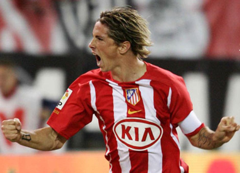 Fernando Torres festeja con rabia un gol marcado con el Atlético