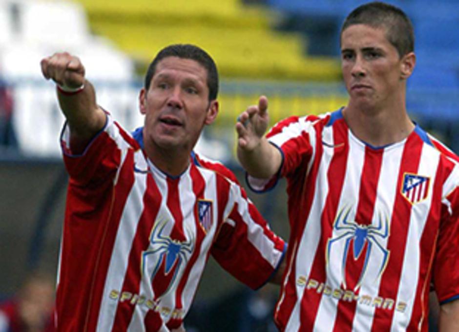 Simeone da explicaciones a Fernando Torres en su época de compañeros de equipo
