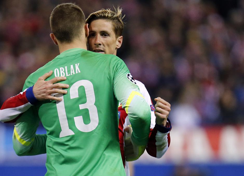temporada 14/15. Partido Atlético Bayer de Champions. Torres y Oblak durante el partido