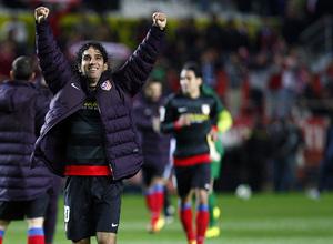 Temporada 12/13. Partido. Semifinales de la Copa del Rey. Arda saludando a los aficionados tras el partido en el Pizjuán