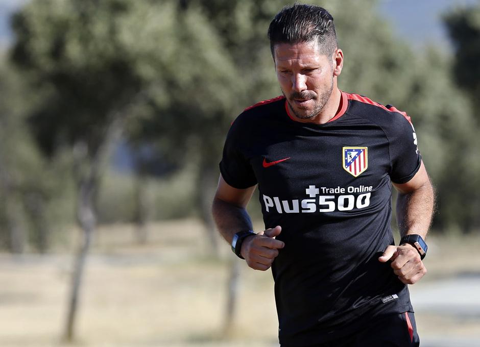 temporada 15/16. Entrenamiento en los Ángeles de San Rafael. Simeone corriendo durante el entrenamiento