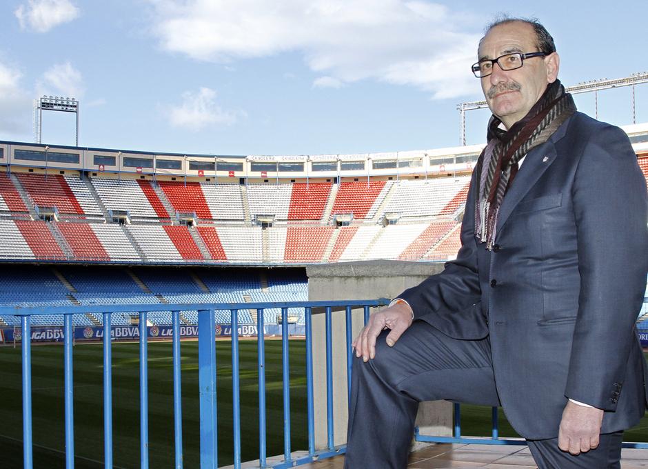 Capón, en una imagen actual en la grada del Estadio Vicente Calderón