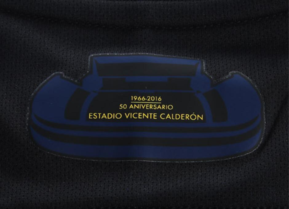 Sello del Vicente Calderón en la segunda equipación