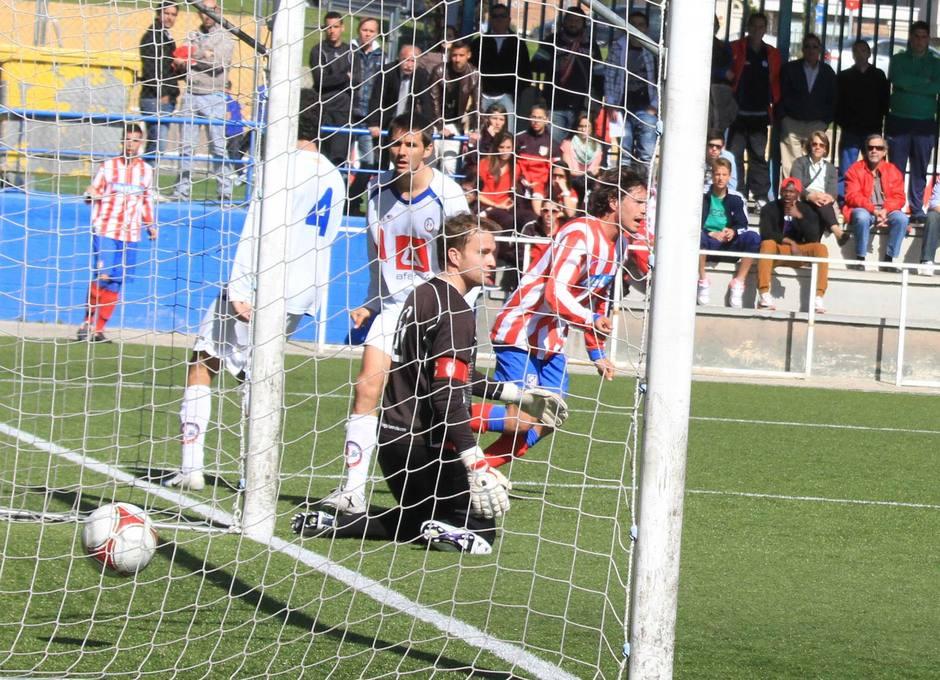 Josito celebra el gol al Rayo Majadahonda que suponía el 2-0 que sería definitivo