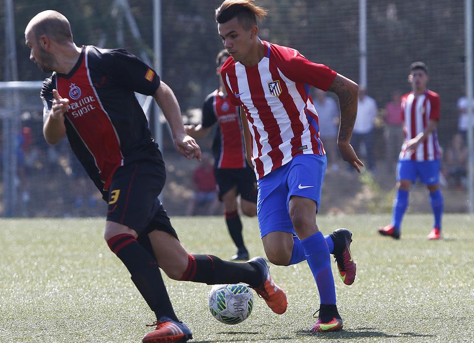 Temp. 2016/2017. Unión Adarve - Atlético de Madrid B. Schiappacase