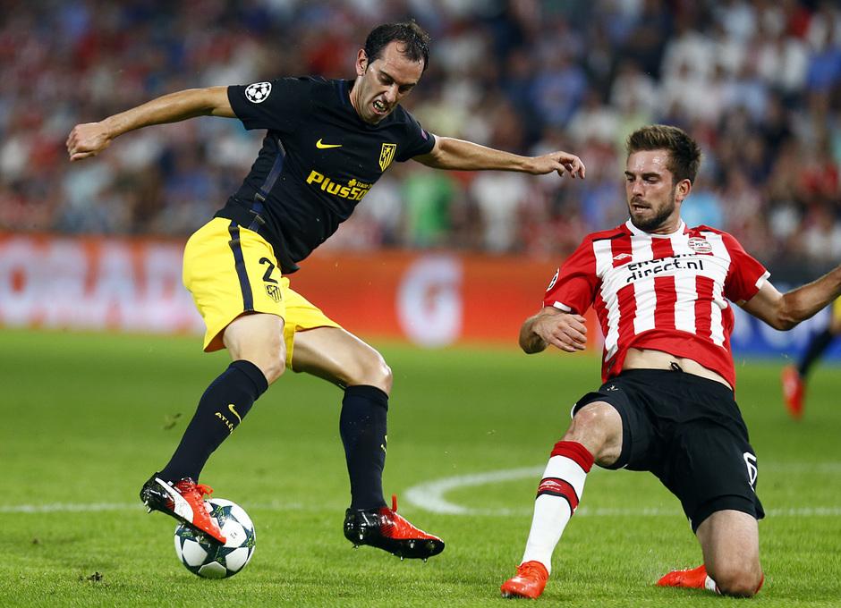 Temp. 16/17 | PSV - Atlético de Madrid | Godín