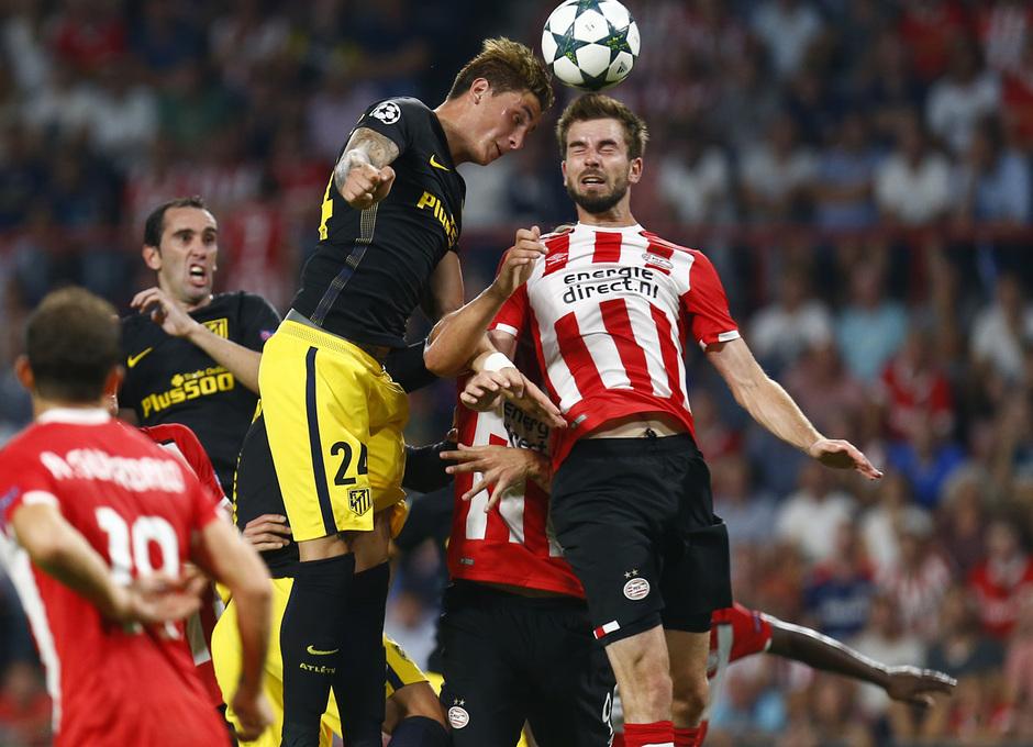 Temp. 16/17 | PSV - Atlético de Madrid | Giménez