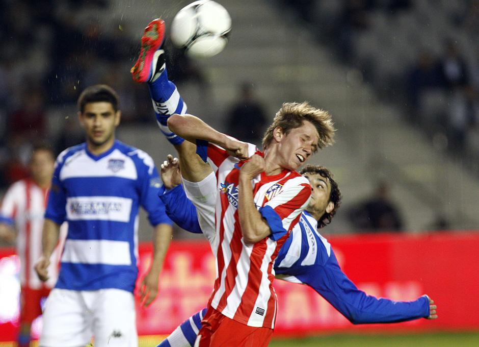 Temporada 2012-2013. Amistoso en Azerbaijan. Villa debutó con el Atlético y lo dejó todo en el campo