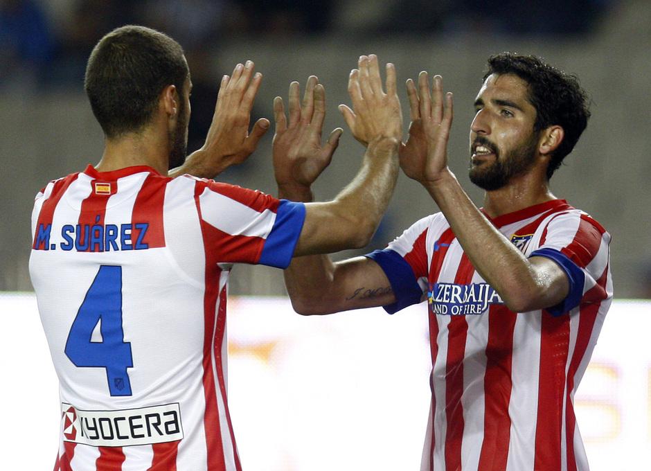 Temporada 2012-2013. Amistoso en Azerbaijan. Raúl García y Mario celebran un gol
